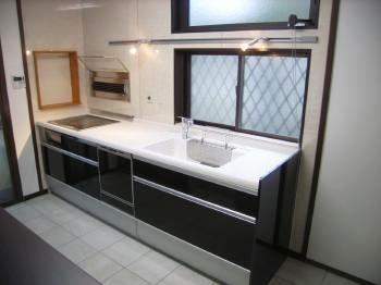 リフォーム  野田市 欧州風で明るい、とてもかっこいいキッチンになりました。