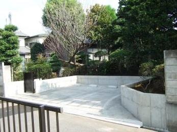 お庭の一部を駐車場へとリフォーム